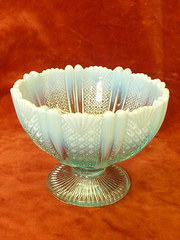 hobnail & fan decorated bowl