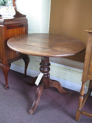oak circular  top table