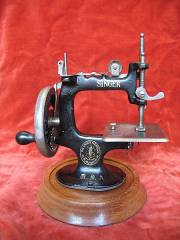 miniture sewing machine